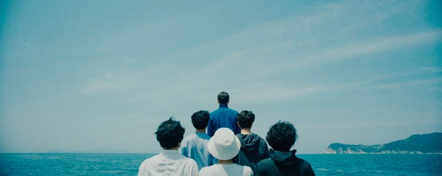 still from KIHA & THE FACES' 'The Smell's Gone' music video directed by GDW's Woogie Kim for DRDRamc